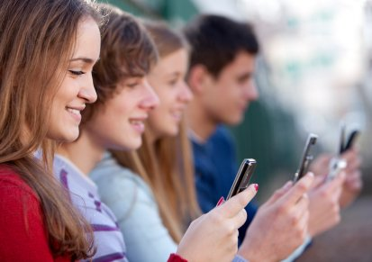 Students' Frequent Cell Phone Use Tied to Lower Grades, Higher Anxiety
